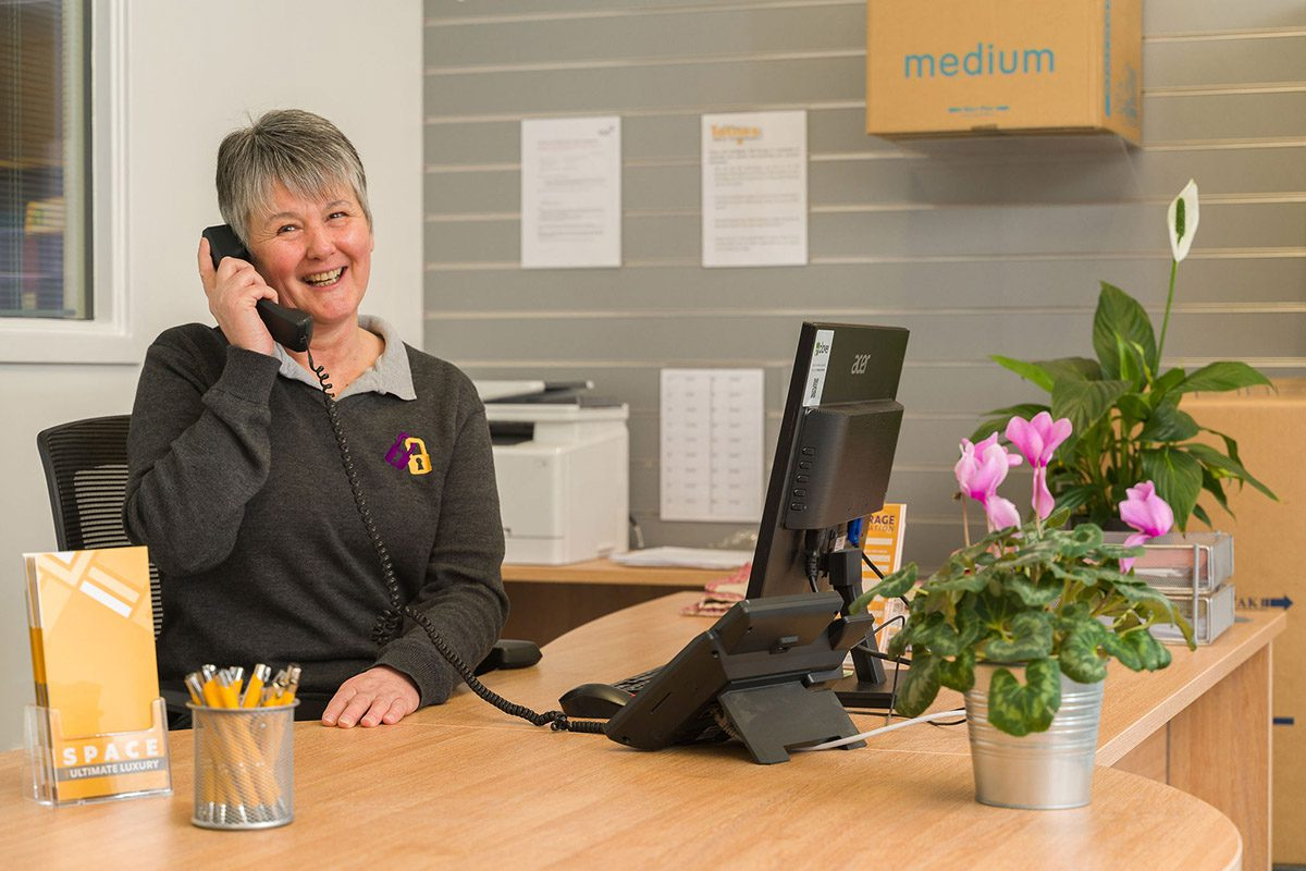Sandra Pomeroy - Customer Service Advisor